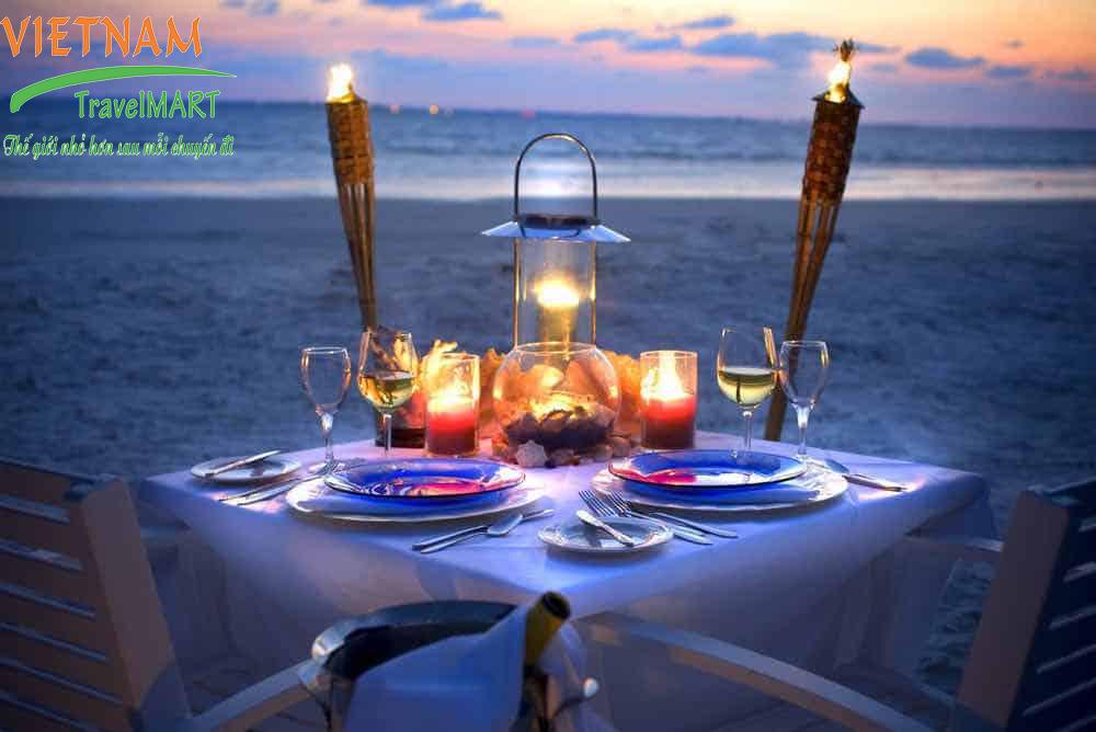 Ăn tối trên bãi biển