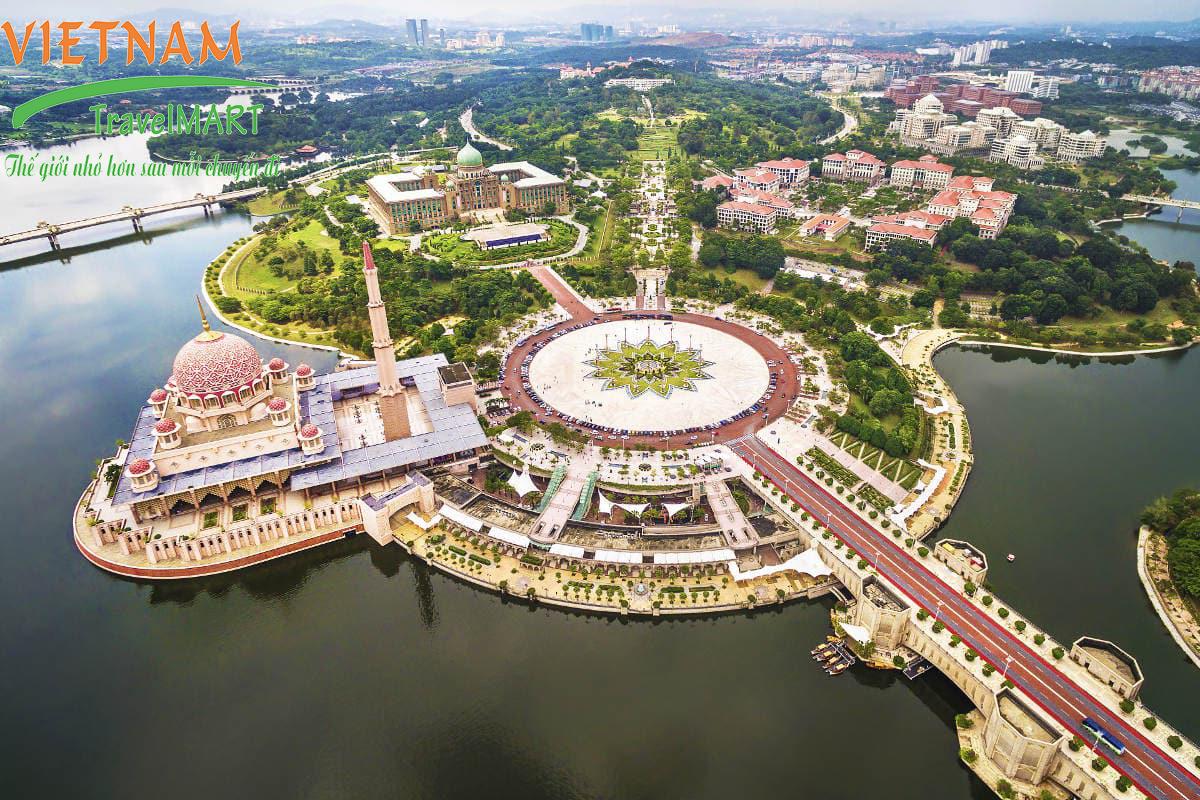 Thánh đường Hồi Giáo tại Putra Jaya