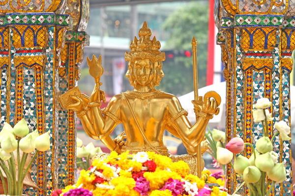 Viếng Phật Bốn mặt