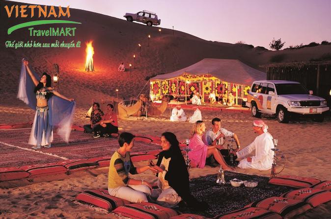 Ăn tối trên Sa mạc