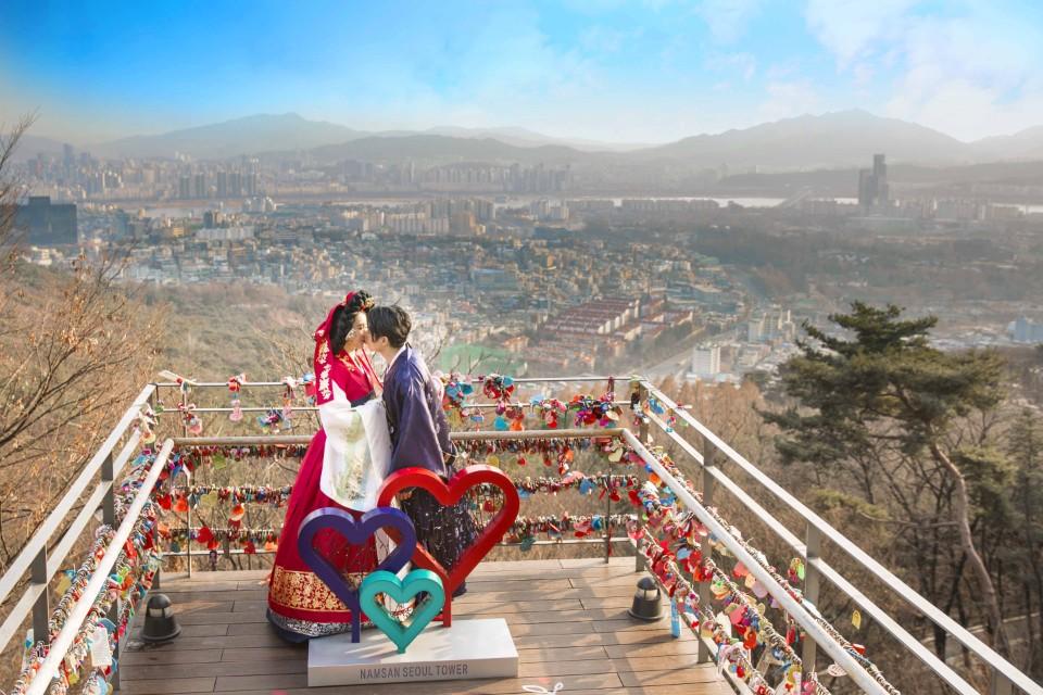 Cầu khóa tình yêu nổi tiếng ở Hàn Quốc