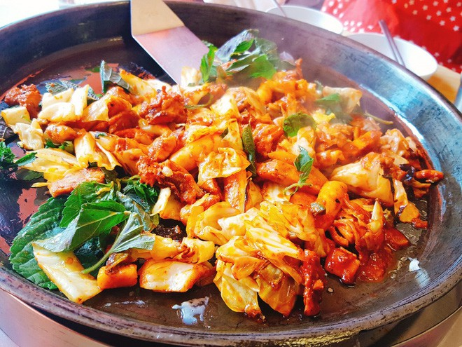 Gà nướng Dakgalbi